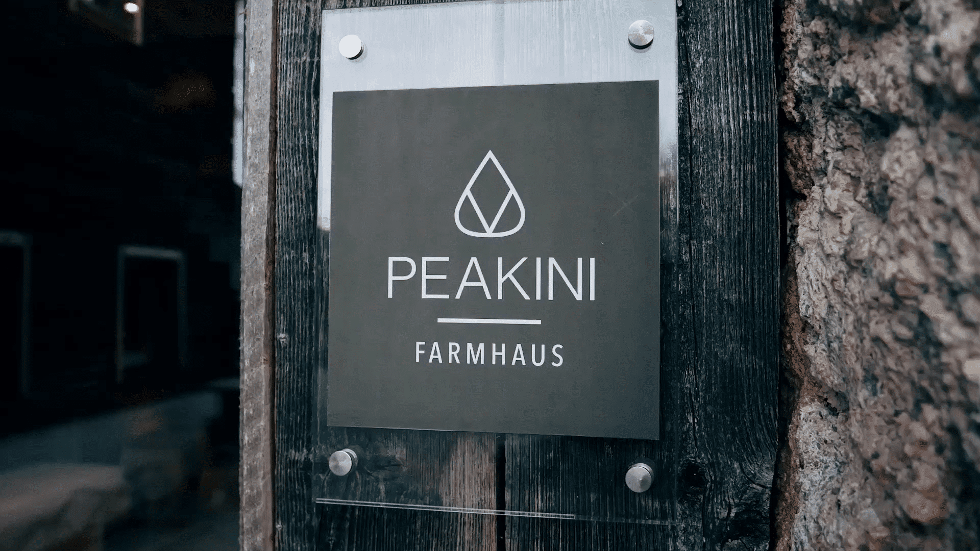 Peakini Farmhaus Video
